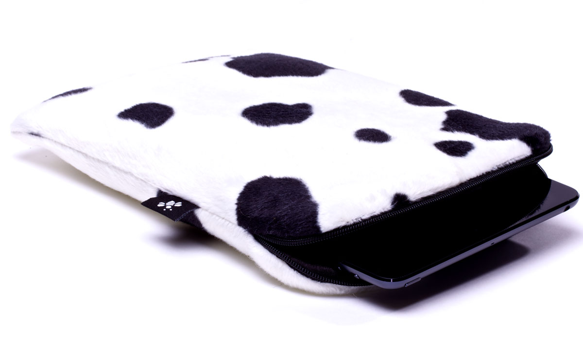 Housse vache pour ipad mini blanche noire for Housse i pad mini